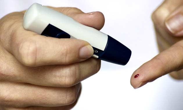 diabetes-blood-finger-glucose