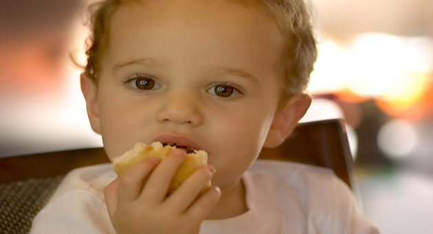 7 Healthy Finger Foods To Offer Your Little One